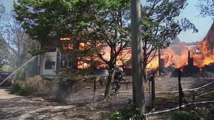 Požiar bratislavskej ubytovne má ďalšiu obeť, opäť sa rozhorel