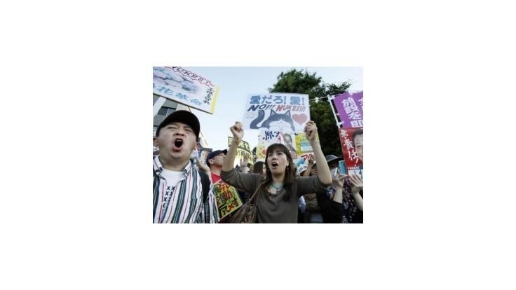 Tisíce Japoncov protestovali proti spusteniu jadrových reaktorov