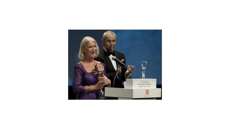 Helen Mirren si na MFF Karlovy Vary prevzala Krištáľový glóbus