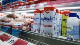 Ceny mlieka, syrov a vajec rastú pomalšie, za palivá priplácame viac