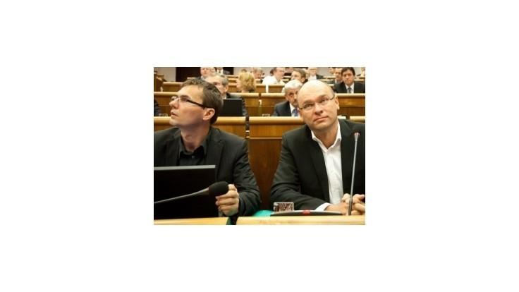 SaS chce okresať príspevky pre veľké parlamentné strany