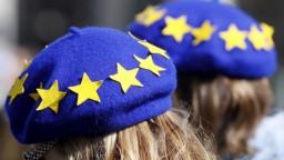 Tisíce ľudí v Poľsku pochodovali, vyjadrili podporu Európskej únii