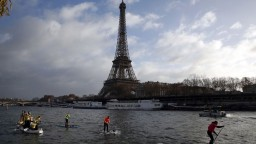 Odvážlivec chcel vyliezť na dominantu Paríža, vežu evakuovali