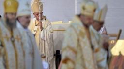 Cestu zavŕšil v meste Blaj. Pápež František končí návštevu Rumunska