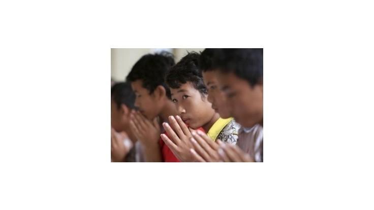 V Kambodži záhadná choroba zabila vyše 60 detí