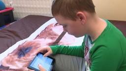 Alex má detskú mozgovú obrnu a epilepsiu, potrebuje liečbu
