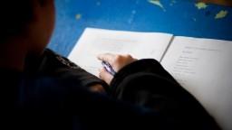 Mali by učitelia ukázať odpis z registra trestov? Saková to podporuje