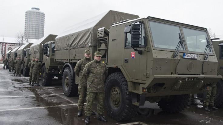 Rezort obrany dal preveriť vlastný tender, ide o vozidlá za milióny