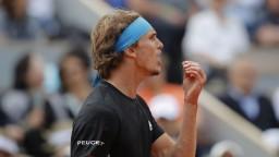 Zverev zvláda prípravu na Wimbledon, Halle postúpil do ďalšieho kola