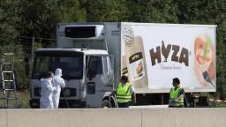 Môžu za smrť 71 migrantov, pašeráci dostali doživotie