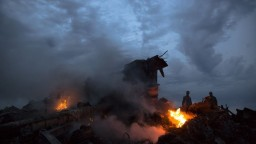 Putin nesúhlasí so závermi o zostrelení MH17 Rusmi, viní Ukrajinu