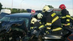Tragická nehoda na strednom Slovensku. Pri zrážke vyhasli životy