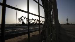 Trhy s ropou sú stále v napätí, ohrozuje ich spor Iránu a USA