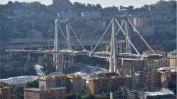 Prvýkrát ukázali video pádu mosta smrti v Janove. Trval 14 sekúnd
