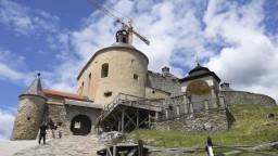 Opravia hrad aj dôležitú nemocnicu. Vláda schválila financie