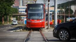 Cestovanie bratislavskou MHD má byť počas horúčav pohodlnejšie
