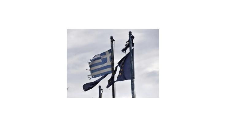 Grécka ekonomika by tento rok mala klesnúť až o 6,9 %