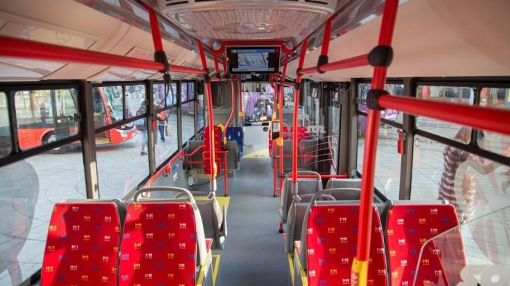 Bratislava kúpila elektrobusy za milióny. Majú výhody i nevýhody