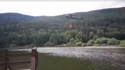 Na Horehroní vypukol v lese požiar, hasiť pomáhal aj Black Hawk