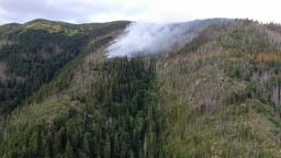 Veľký požiar na Horehroní majú hasiči pod kontrolou