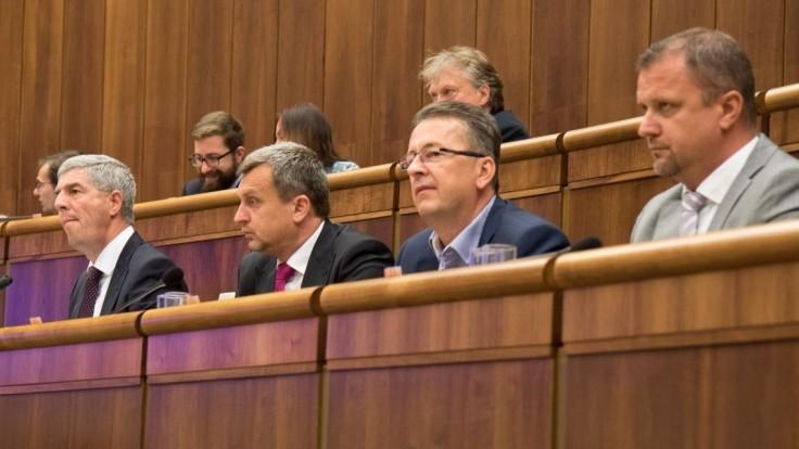 Bugárovcom hlasy nechýbali, poukázal Glváč k voľbe sudcov