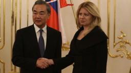 Čína reagovala na kritiku Čaputovej aj britského ministra zahraničia