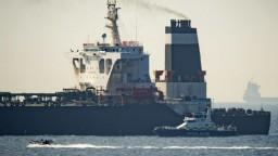 Po prehliadke zadržaného iránskeho tankera zatkli kapitána i dôstojníka