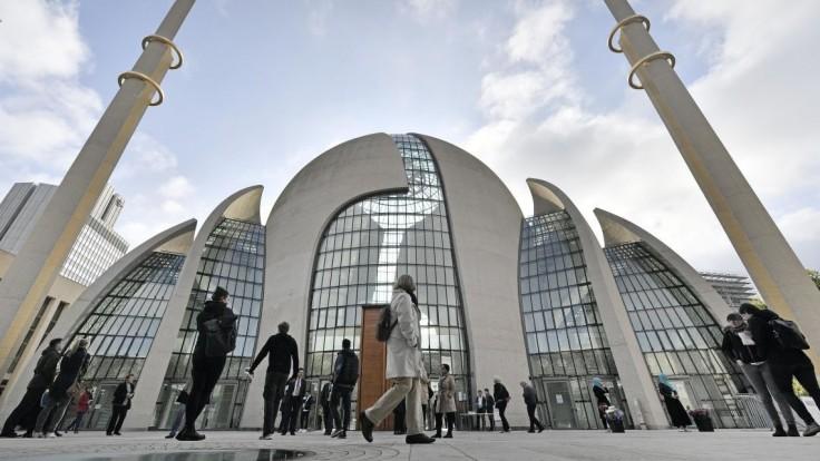 Mešity v Nemecku museli evakuovať, poslali im výhražné maily