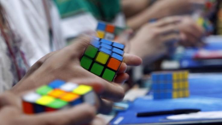 Skladali ste už Rubikovu pomstu? Slávna kocka oslavuje 45 rokov
