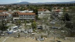 Gréci odstraňujú následky smrtiacej búrky, v oblasti chýba elektrina