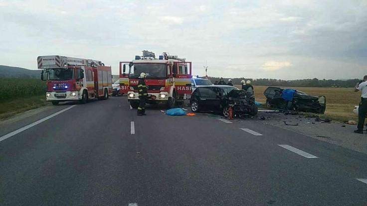 Zrážka dvoch áut sa skončila tragicky, vyžiadala si štyri ľudské životy