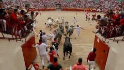 V Španielsku sa skončili oslavy. Pred býkmi utekali tisícky ľudí