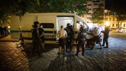 Futbaloví chuligáni spoznali svoj trest, pôjdu za mreže a vyhostia ich