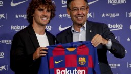 Malý princ sa Barcelone upísal na päť rokov, nosiť bude číslo 17
