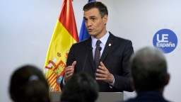 Španielsku hrozia predčasné voľby, premiér Sánchez ohlásil krach