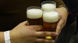 Estónec vykradol piešťanský pivovar a zaspal. Zobudili ho policajti