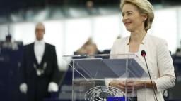 Úniu prvýkrát povedie žena. Europoslanci podporili Leyenovú