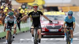 12. etapu ovládol Yates, Sagan navýšil svoj náskok v bodovačke