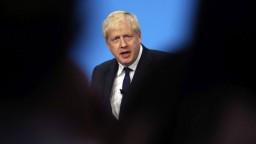 Ministri hrozia odchodom z vlády, ak sa premiérom stane Johnson