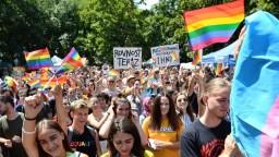 Čaputová je za rodinu i práva gejov: Nenechajme sa rozdeľovať