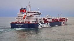 Irán oznámil, že zadržal britský tanker. Zadržali dva, tvrdí Hunt