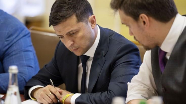 Ukrajinci zavedú kastráciu pedofilov, zákon čaká na Zelenského