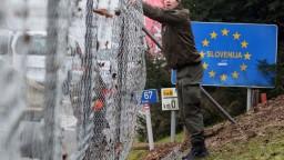 Slovinsko nasadí na hranice vojakov, dôvodom sú migranti