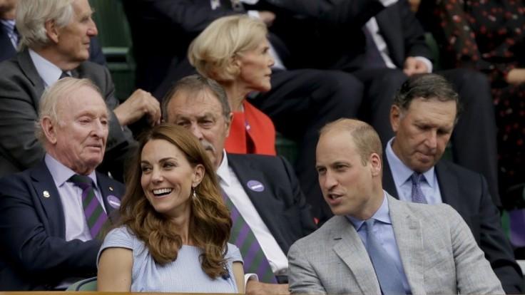 Kráľovská rodina zverejnila nové fotky malého následníka trónu