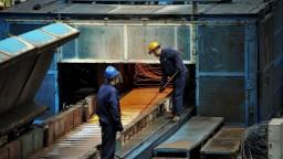 Čína zavádza clá na nerezovú oceľ, zasiahnu aj dovoz z EÚ