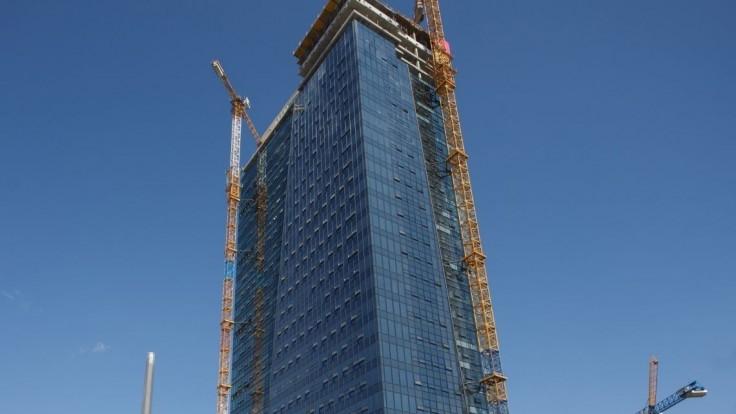 Nad hlavným mestom sa týči nová najvyššia budova Slovenska