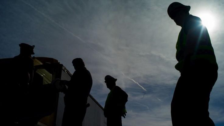 V Maďarsku zachránili 16 migrantov, v nákladiaku sa dusili