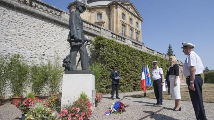Čaputová si pri parížskom observatóriu uctila pamiatku Štefánika