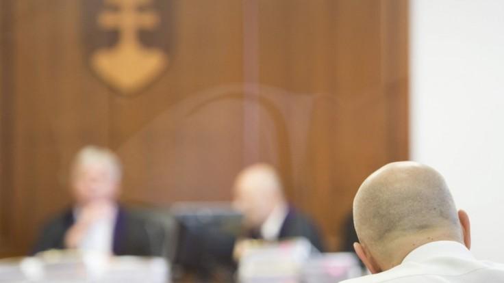 V kauze miliónových zmeniek mal figurovať aj nebohý právnik