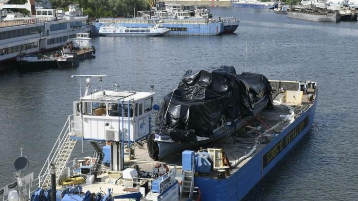 Nebola spôsobilá plavby, ukázal posudok o potopenej lodi z Dunaja